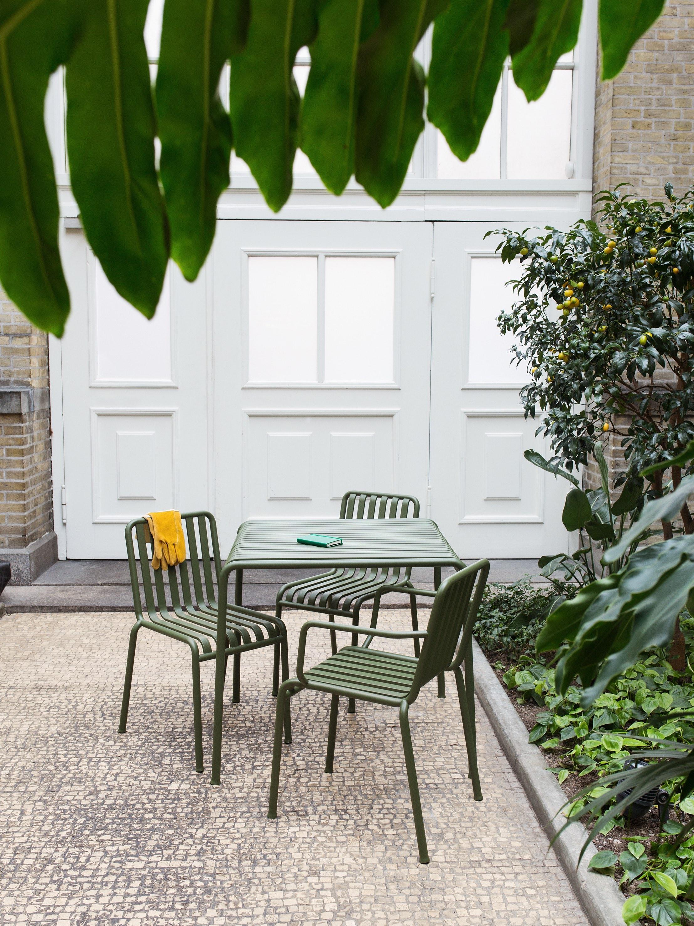 balkonm bel 3 looks f r kleine balkone by design bestseller. Black Bedroom Furniture Sets. Home Design Ideas